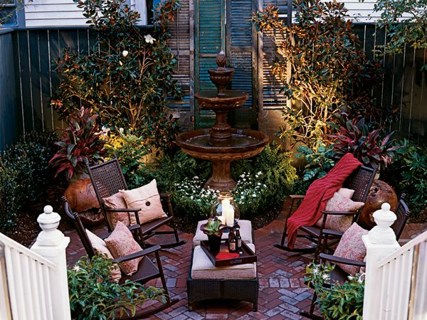 Love the composition of this tiny courtyard.Courtyards Gardens, Ideas, Outdoor Living, Courtyards Patios, Small Courtyards, Courtyard Gardens, New Orleans Courtyards, Outdoor Spaces, Orleans Style