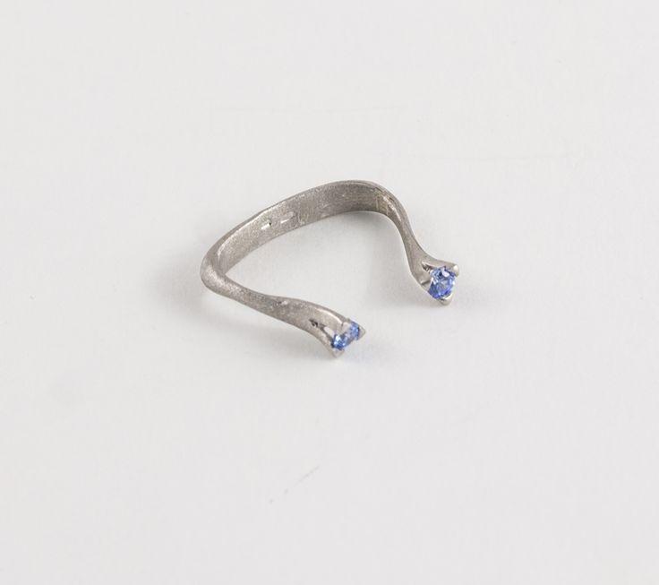 Silver ring with stones by Zsófia Magyary Zosha http://www.magma.hu/muveszek.php?id=82