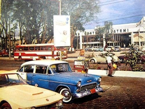 Avenida Faria Lima, final dos anos 60, em frente ao Shopping Iguatemi