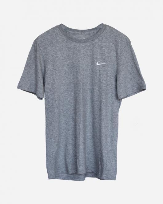 Nike Sportswear - Swoosh Tee