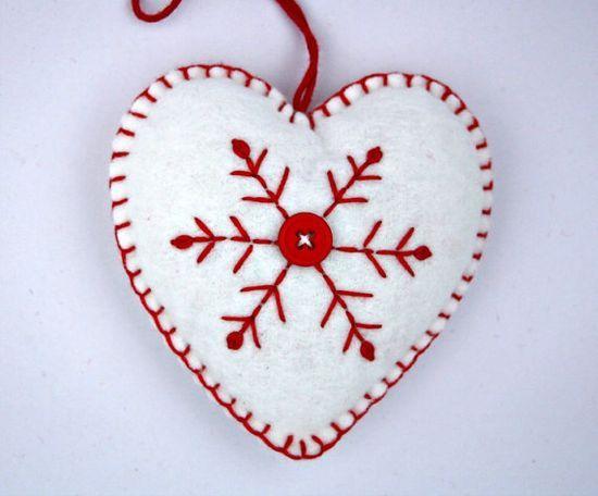 Scandinavian christmas hearts | NORDIC FRENCH CHRISTMAS / Felt Christmas Ornament Scandinavian Heart ...