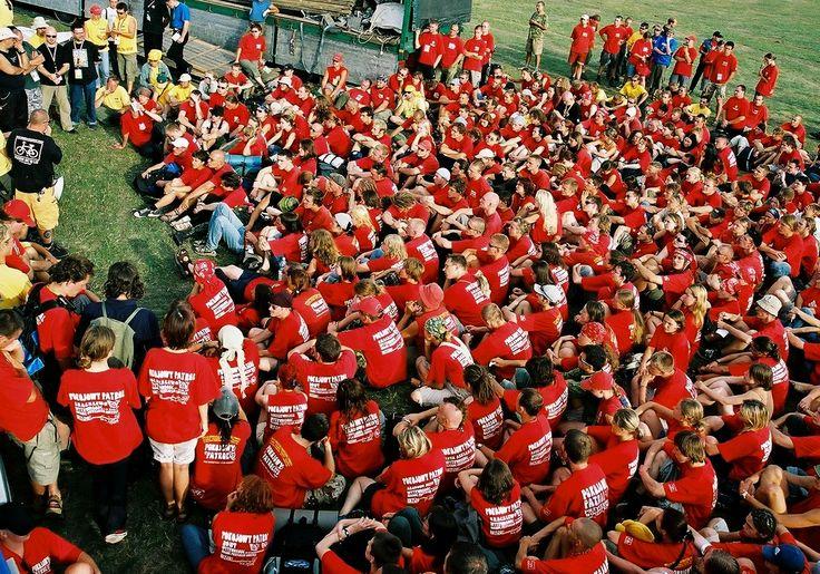 Tak wyglądały odprawy Pokojowego Patrolu na Woodstocku w 2003 roku! Teraz jest nas ponad tysiąc! :) Fot. Michał Sandecki
