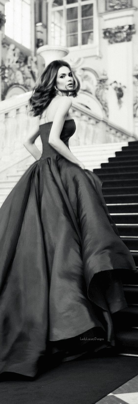 Black and White Lady Luxury Designs, www.lightondecor.com