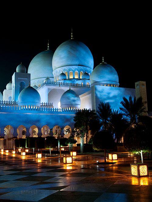 Luces ... Gran Mezquita Sheikh Zayed , Abu Dhabi, Emiratos Árabes Unidos.