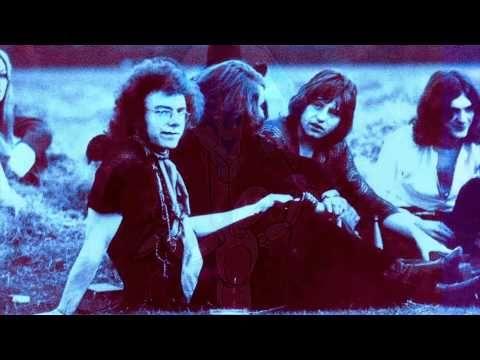 King Crimson - Epitaph.  El muro sobre el cual los profetas escribieron  está desmoronándose.