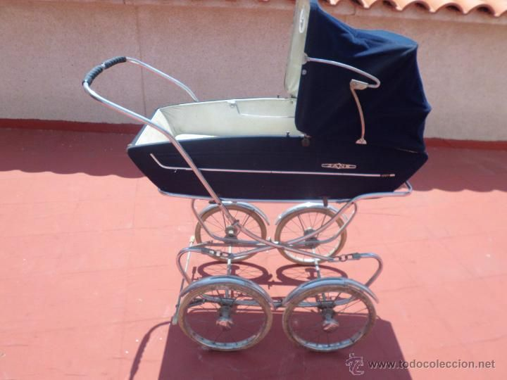 coche JANE AÑOs 60 con colchón familia telerin - Foto 1