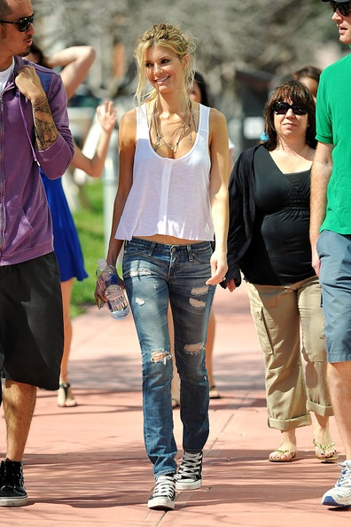 Marisa Miller outfit-fun top, ripped straight legged jeans ...