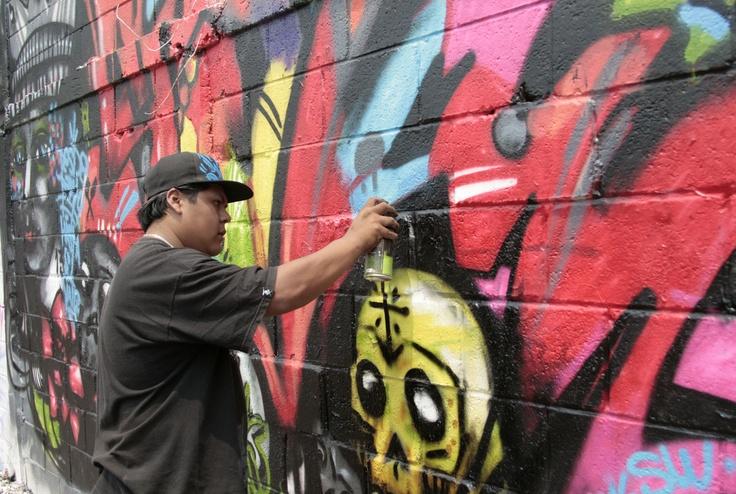 Faro Tlahuac El Faro Tlahuac abrió sus muros para hacer pintas con motivo de la segunda edición de Planeta Graff Planeta Rock, en honor al grabador José Guadalupe Posada.  El grafiti busca intervenir el espacio urbano.  Foto: Abril Cabrera A.
