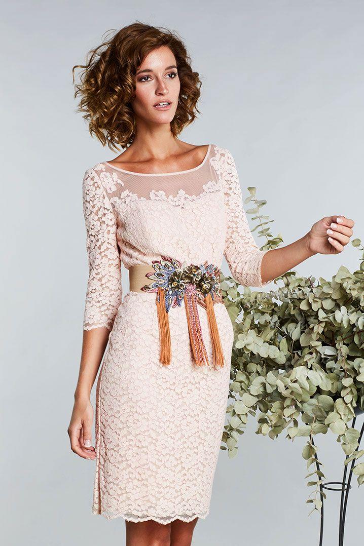 Catálogo 2017 Matilde Cano & MASS. Vestidos de fiesta, largos, cortos y cóctel. El mejor diseño para las ocasiones especiales. ¡Estarás fantástica!