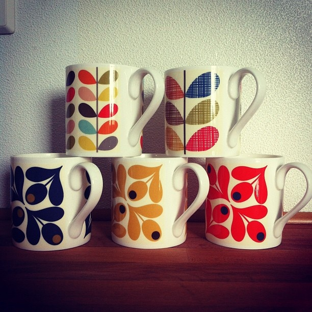 Orla Kiely mugs  Instagram photo by @traedraum (traedraum)