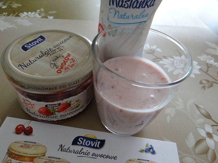 Maślanka + #NaturalnieOwocowe #Stovit = pyszny koktajl #NaturalnieOwocowe #Stovit #Streetcom