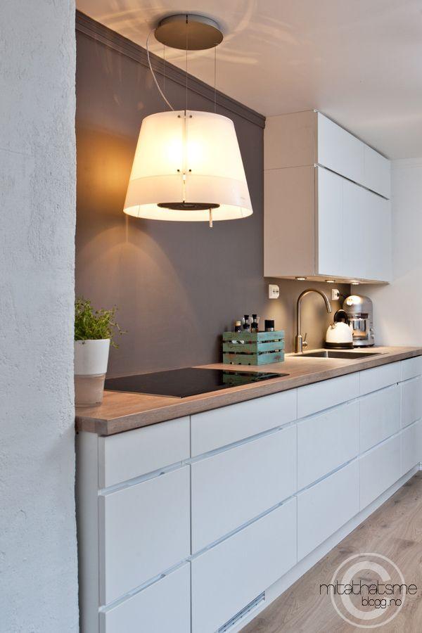 Moderni keittiö liesituuletin