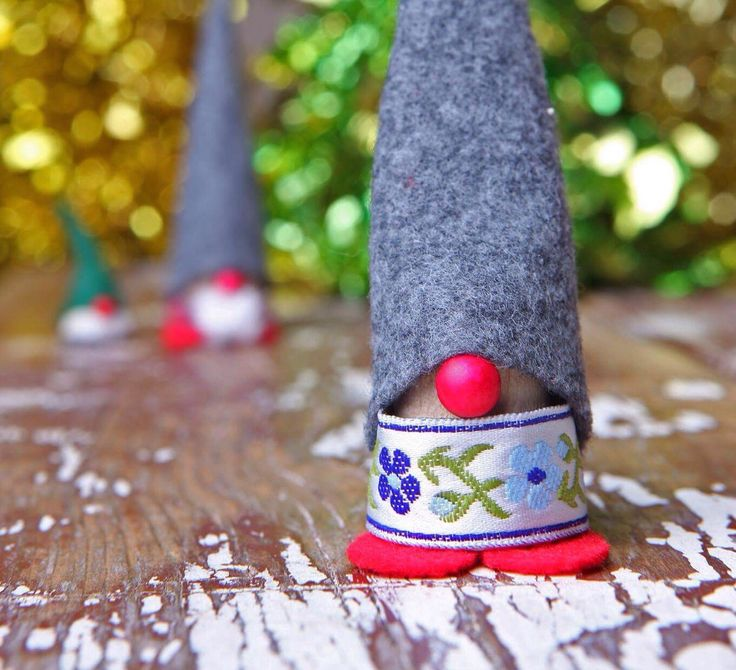 Scandanavian Christmas Elf, jultomten, nisse, tonttu, nordic christmas, gnome, elf on the shelf by JULbyJulia on Etsy https://www.etsy.com/ca/listing/485955221/scandanavian-christmas-elf-jultomten
