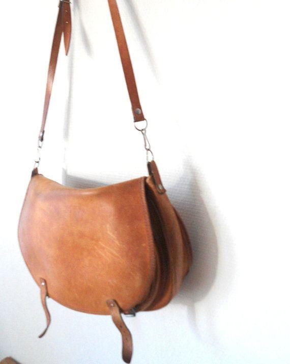 70s vintage leather saddle bag