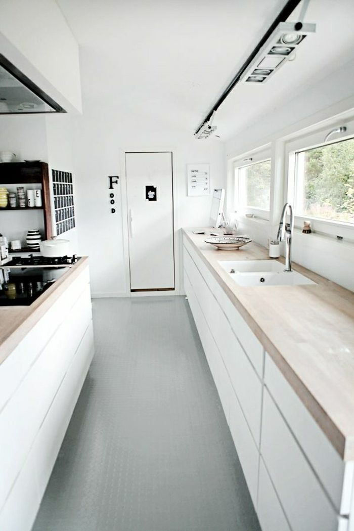 Les 25 meilleures id es de la cat gorie cuisines blanches for Fenetre longue cuisine