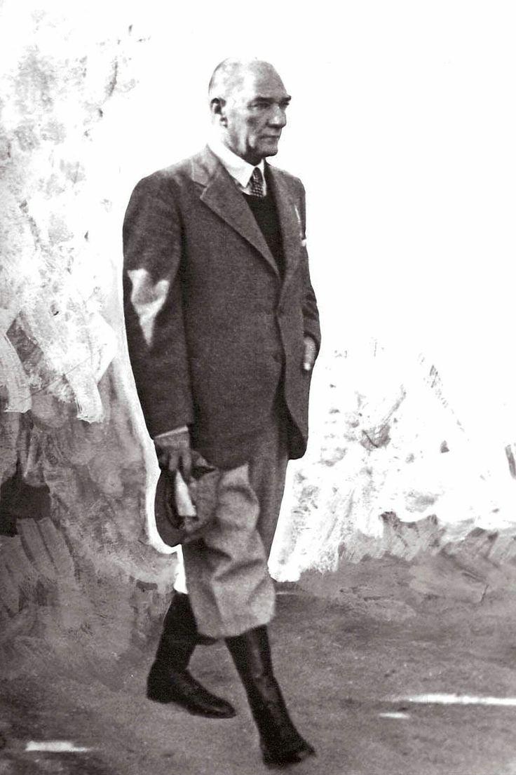 Hatırası daima gönlümüzde yaşayacak; Büyük Önder Gazi Mustafa Kemal Atatürk. Mersin ve Adana ziyaretinde: 20 - 24 Mayıs 1938.