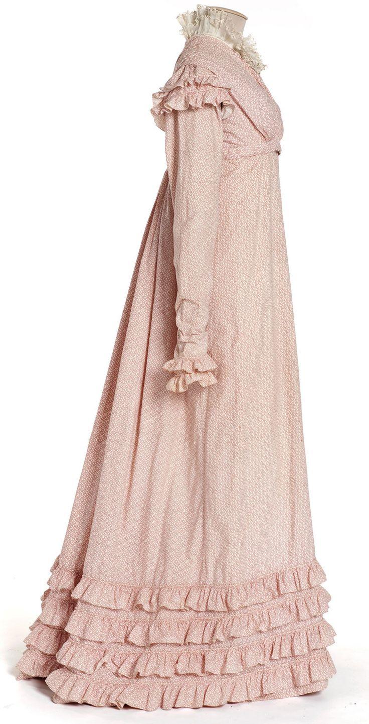 Robe, France, vers 1818-1820