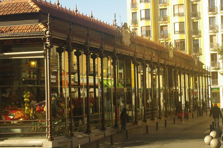 Fo tos de: Madrid - Paso a Paso - Mercado de San Miguel - edificio con e...