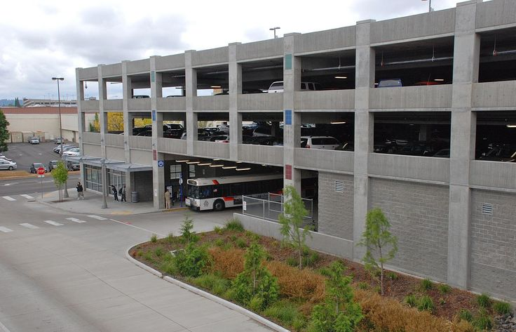 1280px-Clackamas_Town_Center_TC_-_parking_garage_and_departure_bus_stop.jpg (1280×823)