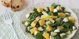 Ideas de recetas sanas y ricas. Aprende a comer sano de una manera fácil y sabrosa: Ensalada de pepino, judías verdes, papaya y aguacate.