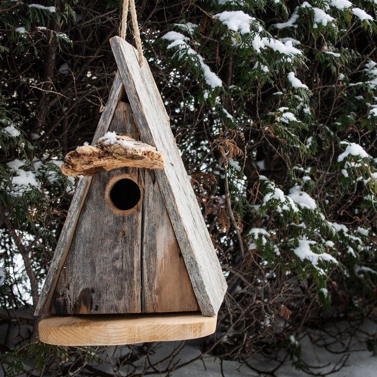 A simple yet beautiful bird house! - VALÉRIE DE L'ÉTOILE INTERIOR DESIGNER