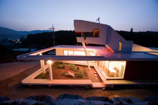 Stunning Home in South Korea, designed by Korean Architect Moon Hoon
