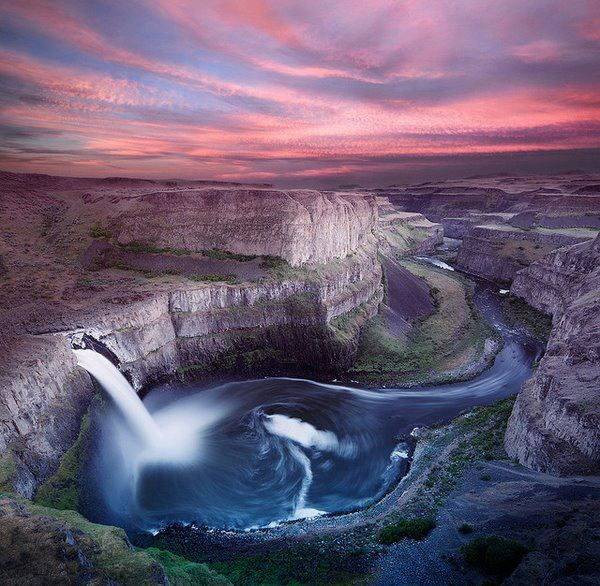 The Palouse Falls lies on the Palouse River in southeast Washington