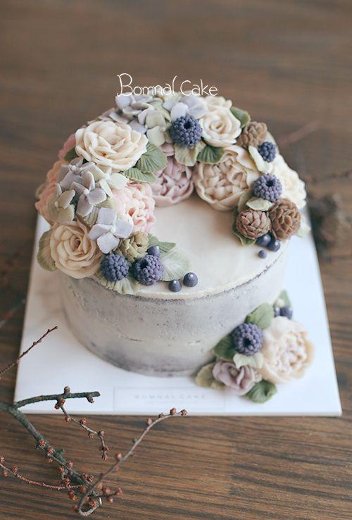 https://www.instagram.com/d.storycake/ #wedding #weddingcake #yum #tasty…
