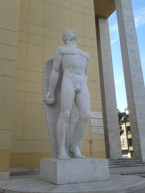 Forlì, Statua di Icaro, Piazzale della Vittoria.