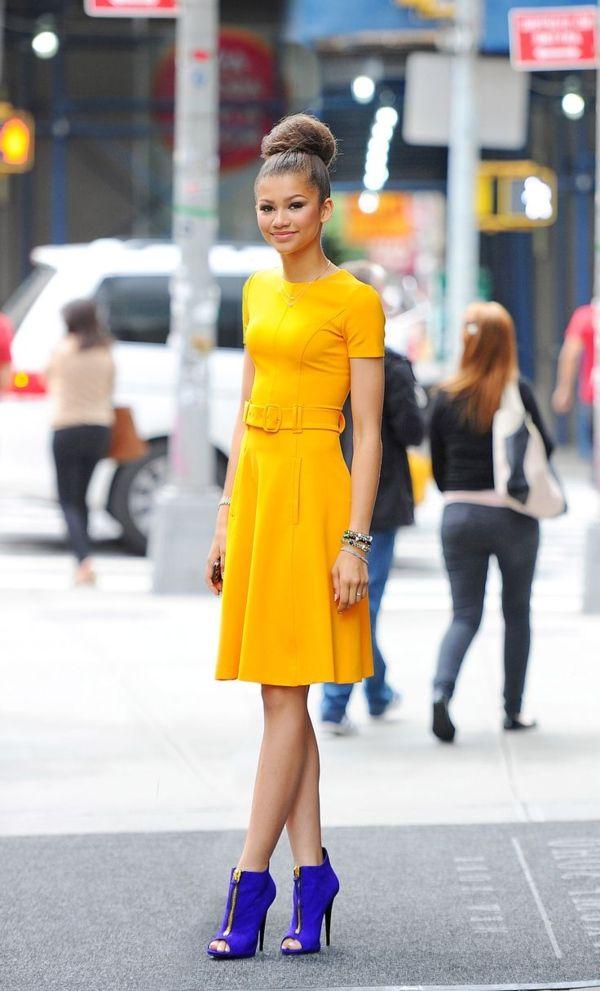 die besten 25 gelbes kleid ideen auf pinterest maxi r cke gelbe maxi r cke und gelbe outfits. Black Bedroom Furniture Sets. Home Design Ideas