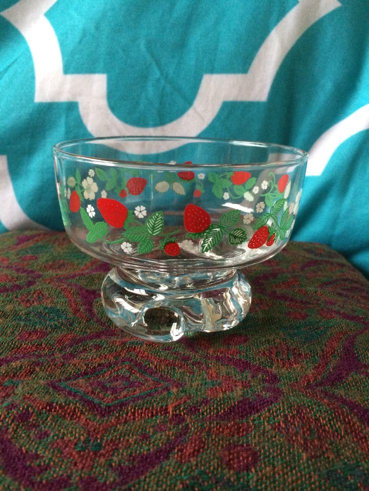 Vintage set of 6 strawberry glass bowls vintage glass for Glass 2 glass