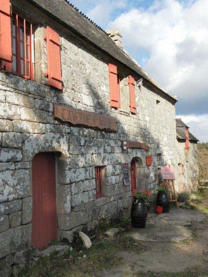 Maison du gardien - Site chapelle Ste Barbe - Le Faouet - Pays roi Morvan, Morbihan.  Brittany
