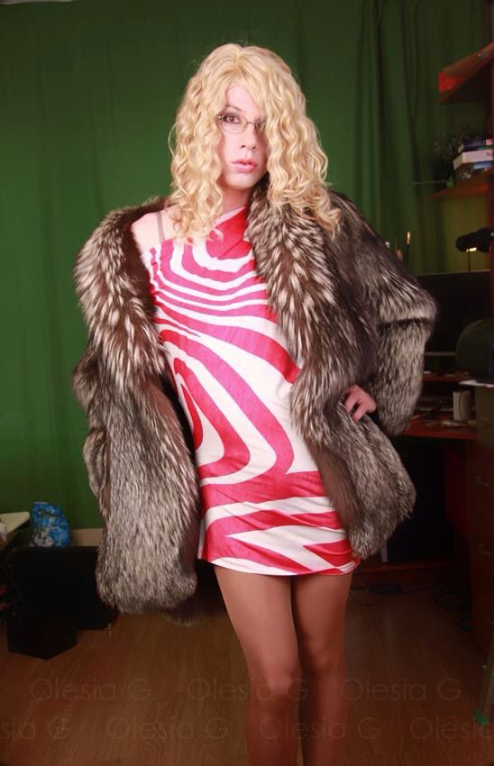 mature tranny in fur