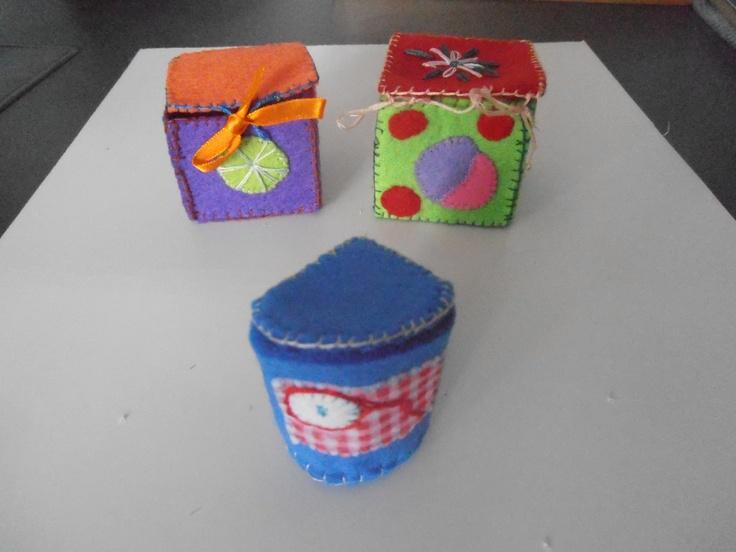 klein vilten doosjes voor het opruimen van een sieraadje of te gebruiken voor tandjes van je kindje