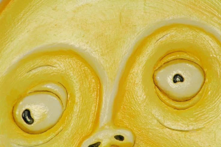 Showing a close up shot of the painting detail in the Scream Art Mirror.