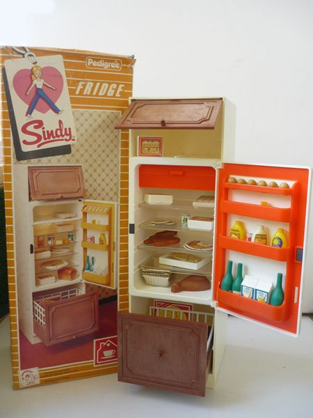Furniture for the home - Mint SINDY DOLL REFRIGERATOR