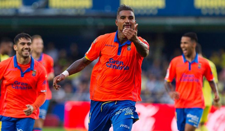 Ex-AC Milan and Tottenham star Kevin Prince-Boateng paid for a private plane for all his team mates to travel back from Valencia