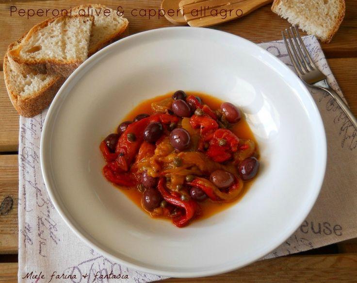 peperoni con olive e capperi all'agro
