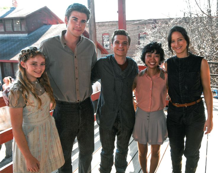 Kids Wish Network Grants Fan's Wish to Visit the Catching Fire Set. Finally someone shorter than josh!