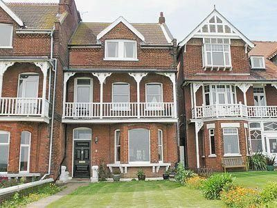 Ron S House - #VacationHomes - $426 - #Hotels #UnitedKingdom #Broadstairs http://www.justigo.co.uk/hotels/united-kingdom/broadstairs/ron-s-house_191274.html