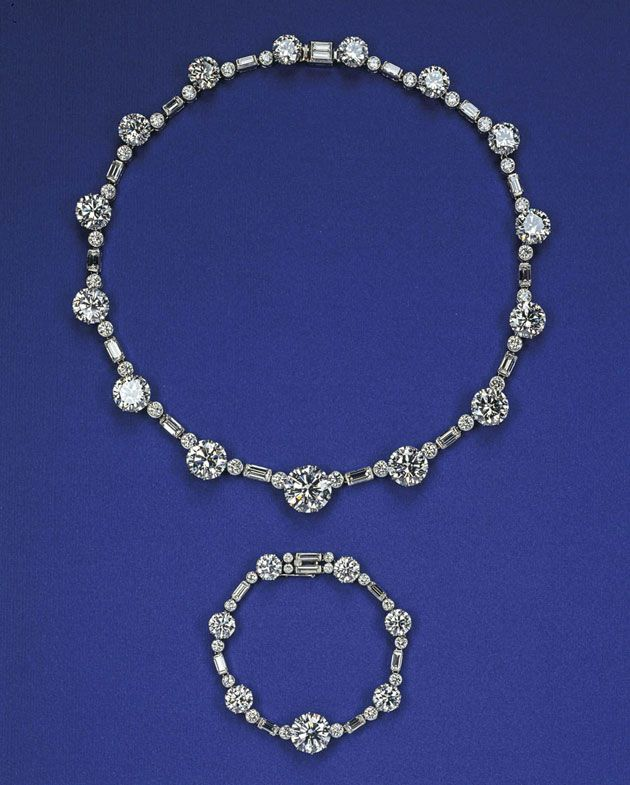 Conjunto de pulseira e colar, presente pra Elizabeth aos 21 anos, da África do Sul