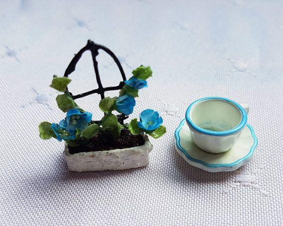 Half Scale 1/12 scale Miniature Flowers 1:24 scale Planter