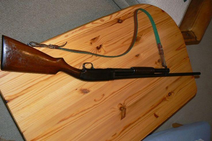 Opakovací brokovnice Winchester - Prodám opakovací brokovnici Winchester Model 12-16 GA, ráže 16x70. Top stav. Nabídněte cenu. Nabídky, prosím, mailem. Případné telefony až po 17 hodině.https://s3.eu-central-1.amazonaws.com/data.huntingbazar.com/5323-opakovaci-brokovnice-winchester-brokovnice.jpg