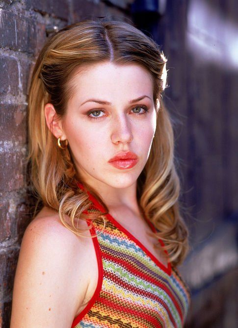 Another hair envy photo, this time with Majandra Delfino. I wish she'd do more movies or TV.