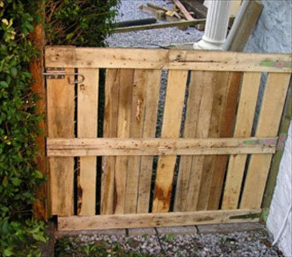 12 diy wooden pallet gate design ideas