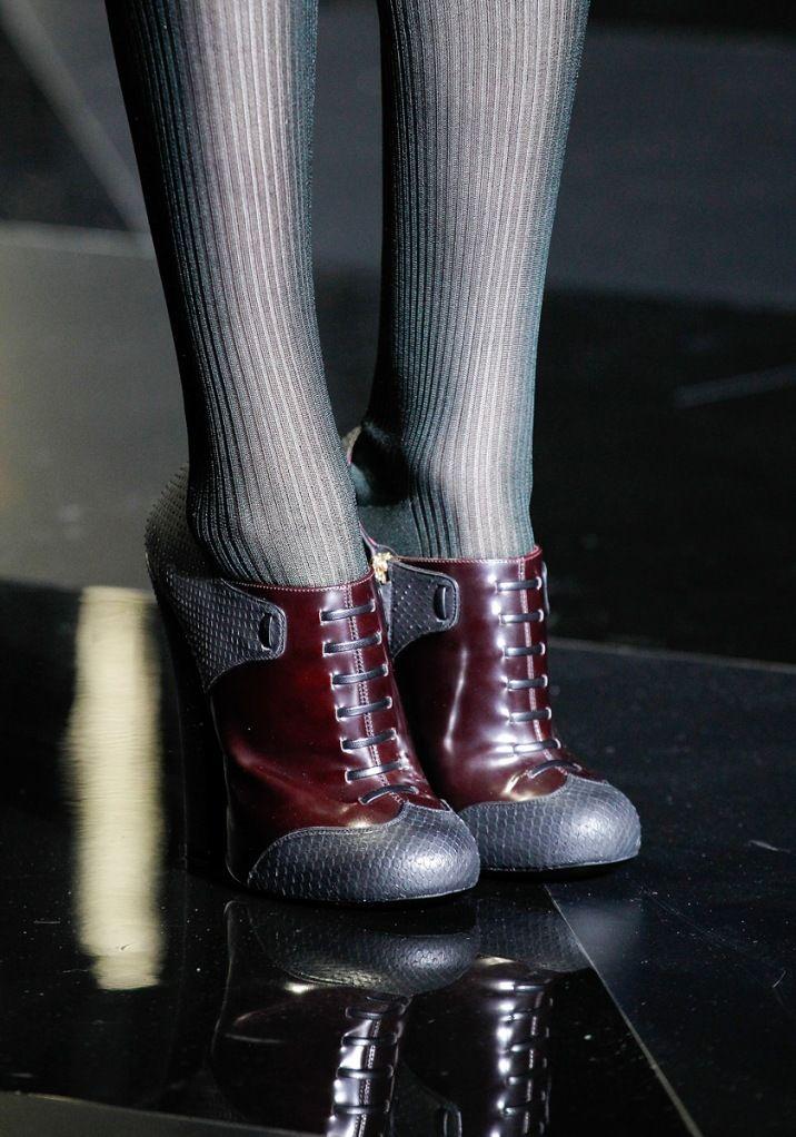 Louis Vuitton Fall 2011 » Louis Vuitton Fall 2011 shoe: Tuxedos Shoes, Louis Vuitton Boots, 2011 Shoes, Steampunk Fashion Boots, Fall Boots, New Shoes, Vuitton Fall, Shoes Shoes, Fall 2011