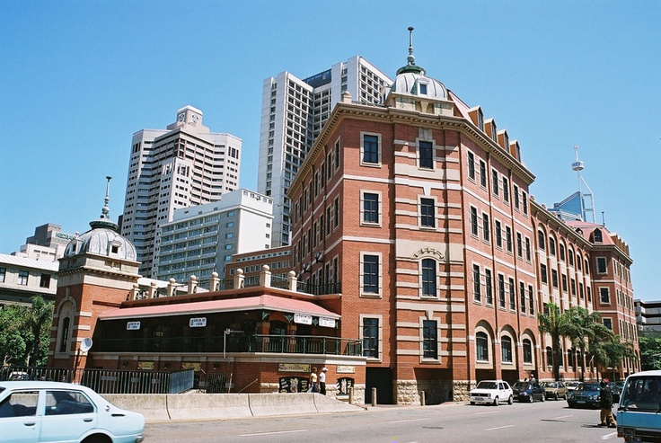 The Old Station building in town, which now houses the Tourist Junction. A monumental mix-up in 1892 saw Durban getting the plans for Toronto Station, & Toronto getting those for Durban. The Durban Station was built with a roof capable of supporting 16 ft of snow, which is totally ironic as the coastal city, with its sub-tropical climate, has never experienced even one minor snowfall. The fate of Toronto Station's original roof during the first bad winter, however, is another story.