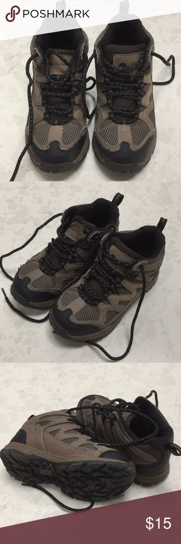 Kid hiking boots-size 12 Kid hiking boots- like new- size 12 Only used a couple time and were outgrown. ozark Shoes Boots