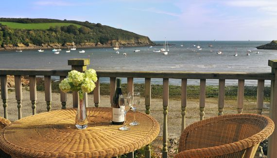 The Boathouse - Self-catering house in Cornwall  sleep 10, 2 bathrooms