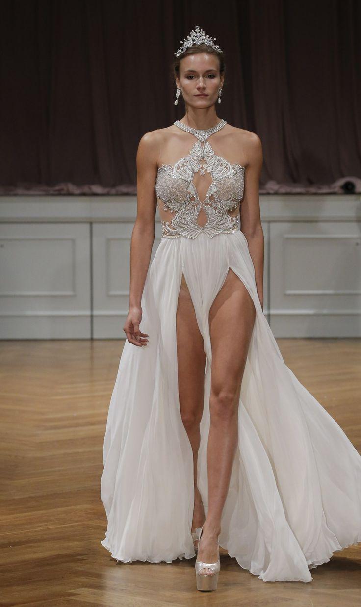 Le designer israélien, Alon Livné, a profité de la Bridal Fashion Week new-yorkaise pour présenter son nouveau regard sur la mariée 2017...